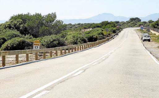 Vista general del tramo de carretera que ha sido objeto de las obras de instalación de barreras de seguridad. Fotos: ALEJANDRO SEPÚLVEDA