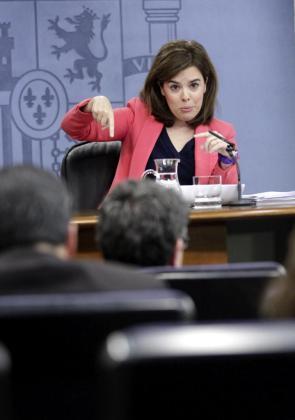 La vicepresidenta del Gobierno, Soraya Sáenz de Santamaría, durante la rueda de prensa posterior a la reunión hoy del Consejo de Ministros.
