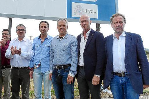Pep Barrientos, Rafel Fernández, Jaume Alzamora, Toni Pastor y Mateu Puigròs continuarán reclamando la finalización de las obras ferroviarias.