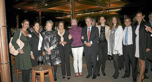 Blanca Rey, Marisa González, Cecil Sandberg, Carmen Mariano, Vivian Mainemare, Javier Sanz, Nathalia Rigo, Estefanía Azcona, Salvador Ribas y Susana Quintanilla.