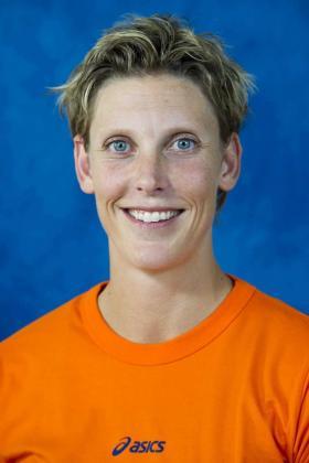 Ingrid Visser, de 1,92 metros de altura, era muy conocida en su país, Holanda, porque había sido jugadora profesional de voleibol y en los últimos años integrante de varios equipos españoles, entre ellos el CAV Murcia 2000, equipo que desapareció en 2011, momento en el que dejó este deporte.