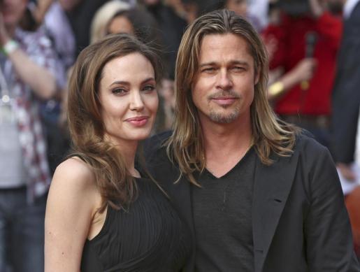 Angelina Jolie posó junto a su marido Brad Pitt a su llegada al estreno de la película 'World War Z'.