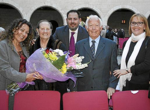 Sara García, Otilia Gualda de Lainez, Juan Lainez y Reme Tarrés.