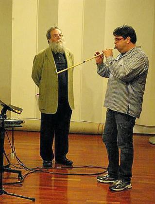 Xavier Carbonell y Pere Joan Martorell, en la grabación del CD.