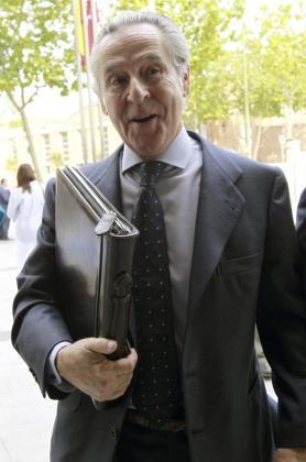 El expresidente de Caja Madrid Miguel Blesa, llegando ayer a los juzgados de Plaza de Castilla.