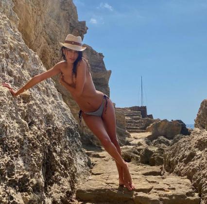 El sensual posado de Lucía Rivera en Mallorca