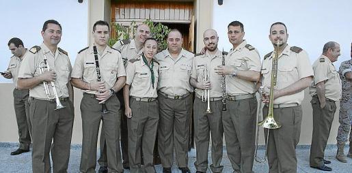Raúl García, Antonio Benedito, Nicolás Pino, Amanda Adán, Juan Vercher, Manuel Ávila, José María Moreno y Jesús Antón, de la Unidad de Música.