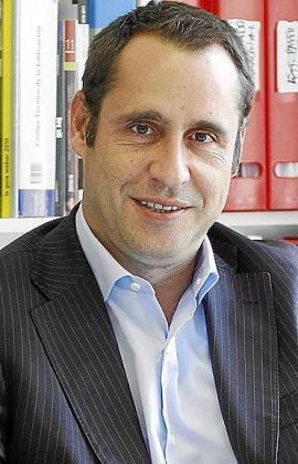 Alfredo Arias, decano de los ingenieros.