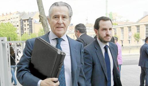Imagen de archivo del expresidente de Caja Madrid Miguel Blesa yendo a declarar a los juzgados de plaza de Castilla por la compra del City National Bank.