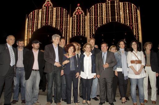 Las principales autoridades políticas inauguraron la Feria de Abril junto al presidente de la Casa de Andalucía en Balears, José Martínez.