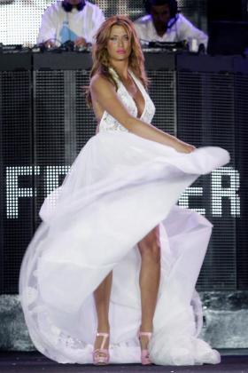 Elisabeth Reyes desfiló con este diseño de Luis Ferrer en la pasarela Adlib 2012