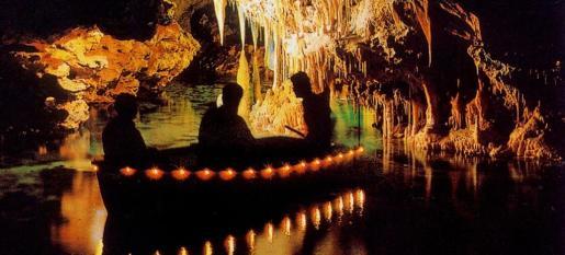 Las cuevas del Drach son muncialmente conocidas por su belleza y magnitud.