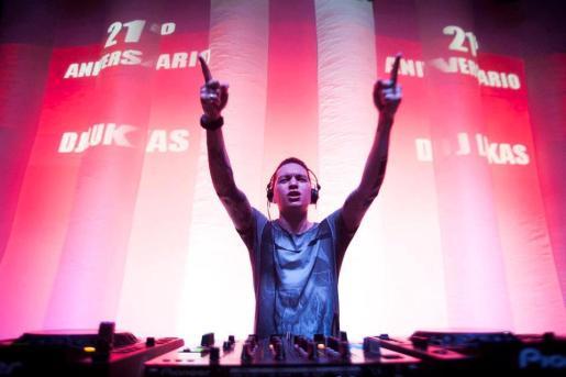 El galardonado en 2007 como mejor DJ del mundo hará bailar a los asistentes.