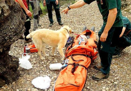 Momento del rescate de la ciudadana alemana en Sóller.