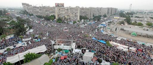 Partidarios del derrocado presidente egipcio, Mohamed Mursi, realizaron una multitudinaria manifestación en El Cairo.