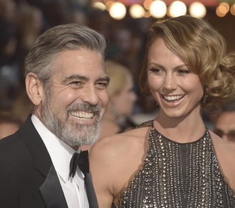 George Clooney Stacy Keibler en la última edición de los Oscar.