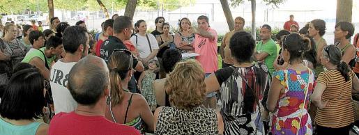 Los vecinos del polígono de Levante se reunieron tras conocer que la escuela de verano no poseía licencia.