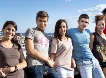 Estudiantes universitarios en la residencia Melon District Marina de Barcelona