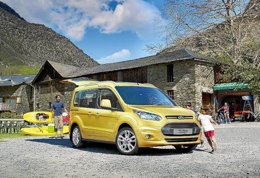 Este vehículo se suma a los familiares Tourneo de última generación de Ford para Europa.