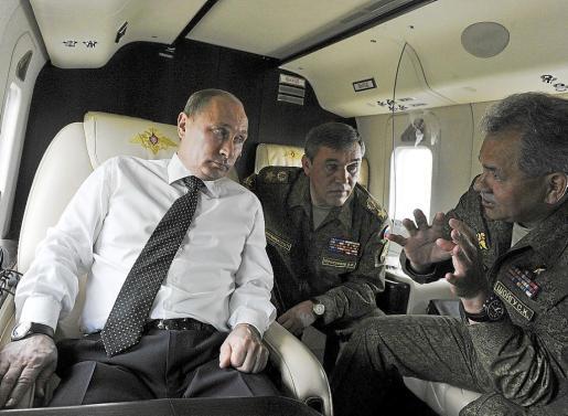 Putin advirtió ayer a Snowden que no permitirá que dañe las relaciones de Rusia con Estados Unidos.