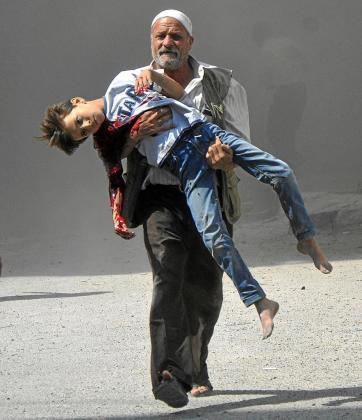 La crueldad de la guerra civil en Siria hace que cada vez sean más los que huyan del país.