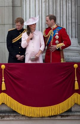 Imagen de archivo del príncipe Harry, el príncipe Guillermo y Catherine.