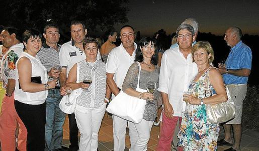 J.Jurado, Fernando Fernández, Esperanza Martínez, Tomás Campos, Manolo Ramírez, María Martínez, Francisco Aparicio y Julia Martínez.