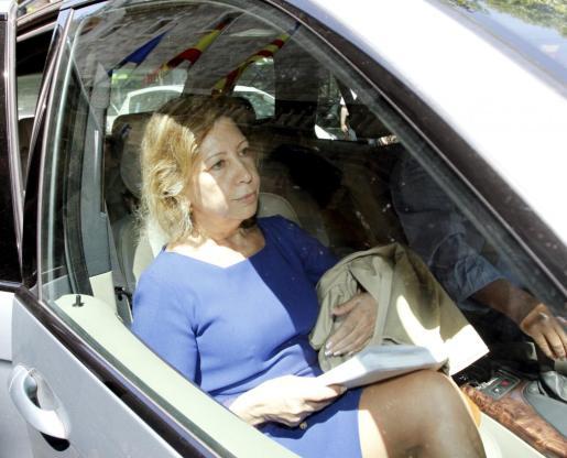 Maria Antònia Munar, este mediodía saliendo de la Audiencia.