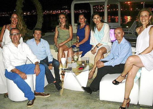 Miguel Gordó, Carmen Mateos, Pepe Tur, Yolanda Sánchez, Carmina Matarín, Carmen y Paco García y Susana Mollar.