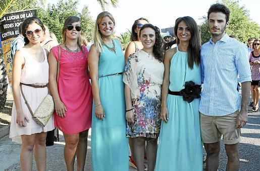 Agnés Sánchez, Natalia y Nabila López, Carme Bordoy, María y Sebastià Sánchez.