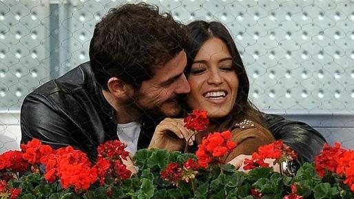 El portero del Real Madrid, Iker Casillas, y la periodista Sara Carbonero demostraron el buen estado de su relación en un reciente evento deportivo en Madrid.