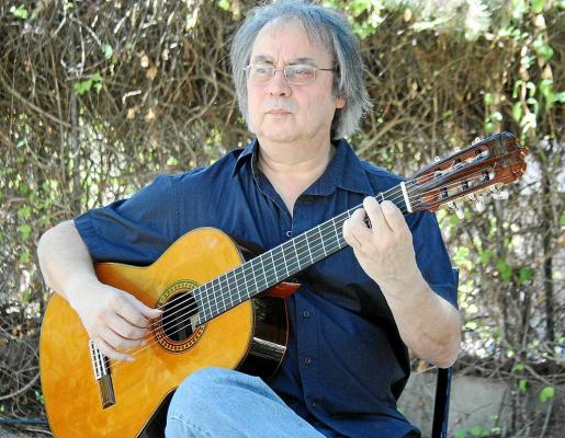 El guitarrista Gabriel Estarellas posó recientemente para este periódico en Madrid.