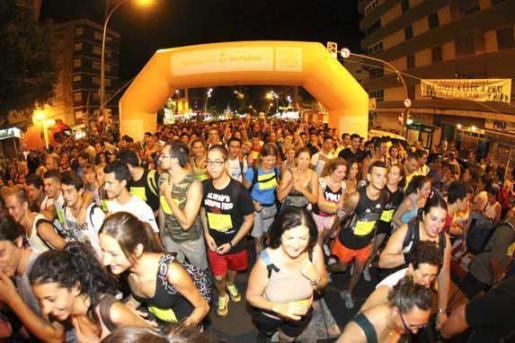 Más de 7.000 personas iniciaron la marcha Des Güell a Lluc a Peu.