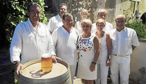 Detrás: Lorenzo Riera, Antonia Sánchez y Paco del Rey. Delante: Rafael del Rey, José Martínez, Conchi Pérez, Lola Muñoz y Ramón Arnau.