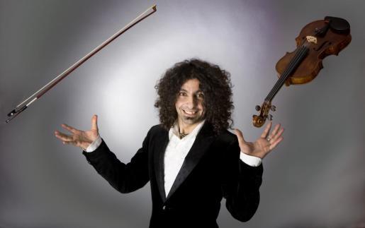 Ara Malikian y la Orquesta en el Tejado sustitos de la Sinfònica en la 52 edición del Festival de Pollença.