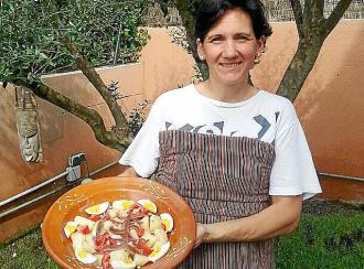 Ensalada de patata y anchoas aliñada al Oli de Mallorca DO