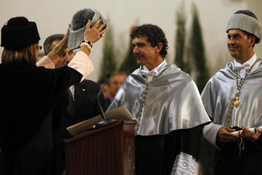 Antonio Banderas, en el momento de ser investido doctor honoris causa.