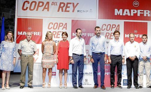 María Salom, Casimiro Sanjuan, Teresa Palmer, Margalida Duran, José Ramón Bauzá, Felipe de Borbón, Mateo Isern, Javier Sanz y Rafael Casas.
