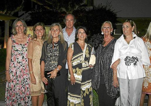 Macarena Camuñas, Ana Luz Huete, Laura Maella, Borja de la Rosa, Montserrat Lezaun, Marilena Martín Soledad y Paloma Cifuentes.