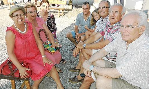 Maria Mateu, Marga Martorell, Amparo Monroig, Eduardo Rojas, Maria Rojas, Gabriel Aloy, Toni Llompart y José Antonio Martorell.