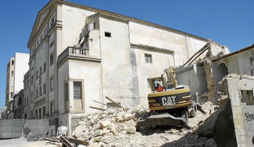 Demolició cases annexes Teatre Principal Inca     Demolició cases annexes Teatre Principal Inca