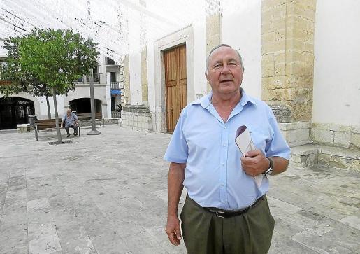 El rector, Jaume Mas Juliá, cuenta con el aprecio y apoyo de muchos feligreses.