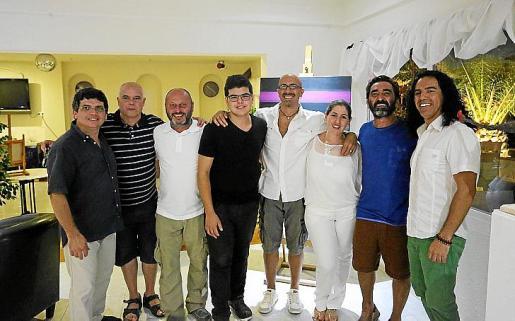 Jose Sosa, Mateo de Vallescar, Juan Ramis, Jeremias Sosa, Alejandro Blasi, Debora Ajzenszlos, Rogelio Olmedo y Diego Blanco.