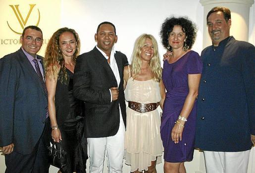 Saul Martos, Alice von Gayling, Luis Hernández, Dominique Huetten, Nadja Rothkirch y Barney Ordinas.