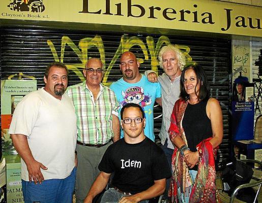 Tomeu Ripoll, James Miele, Máximo Fernández, Biel Vila, Tomás Graves y Sabina Burk.