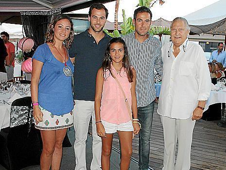 Maria y Luis Berga, Tolo y Ariadna Cañellas y Pep Sans.