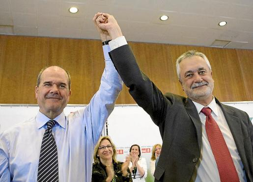 Los expresidentes de la Junta de Andalucía, en una imagen tomada en 2009.