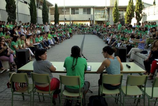 Imagen de la asamblea de docentes celebrada hoy en Marratxí.