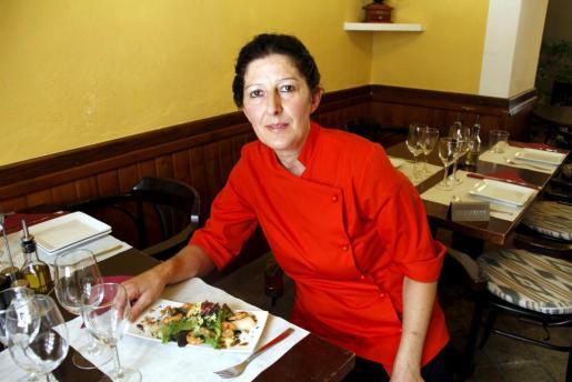Aina Marroig, cocinera de Rústic Restaurant & Café, en Consell.