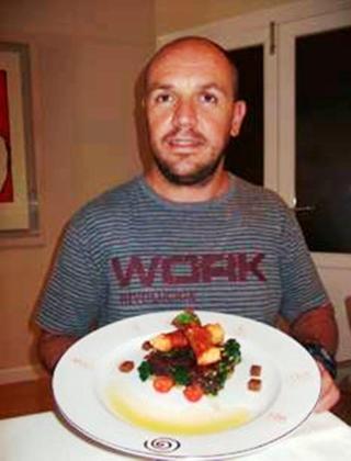 Manuel Duran muestra su apetitosa receta de bacalao a la mallorquina con sobrasada y miel.